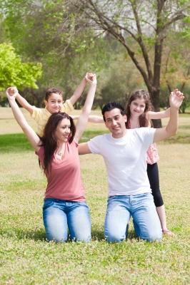 zdjęcie rodziców z dziećmi